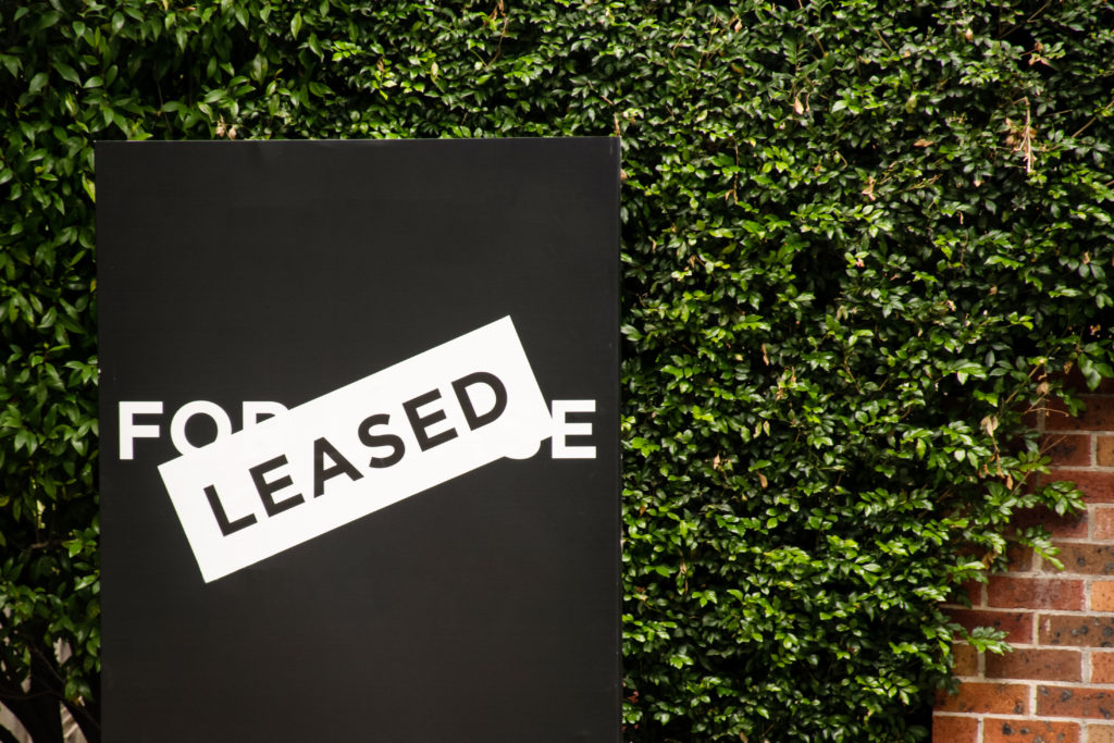 A for lease sign outside a house