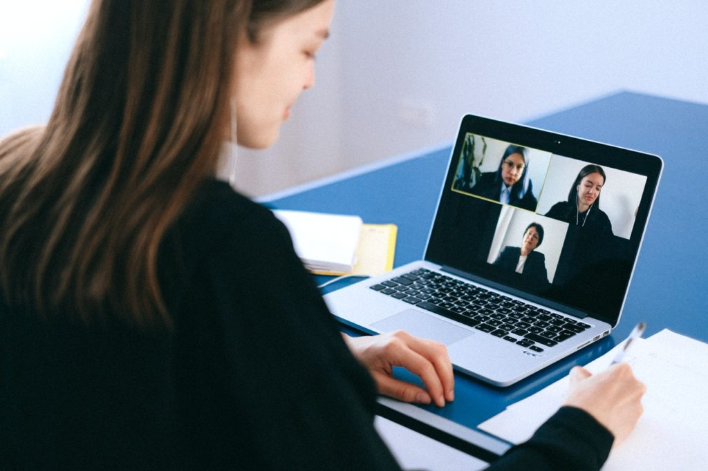 A women on a zoom meeting